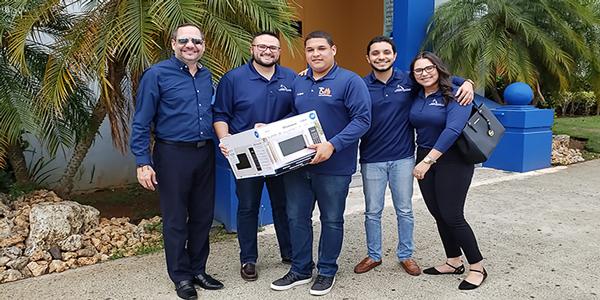 donacion-microondas-consejo-estudiantes