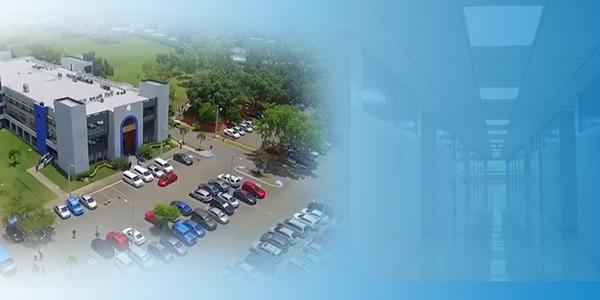 noticia-pucpr-recorre-el-campus-de-Mayagüez-con-nuestra-rectora
